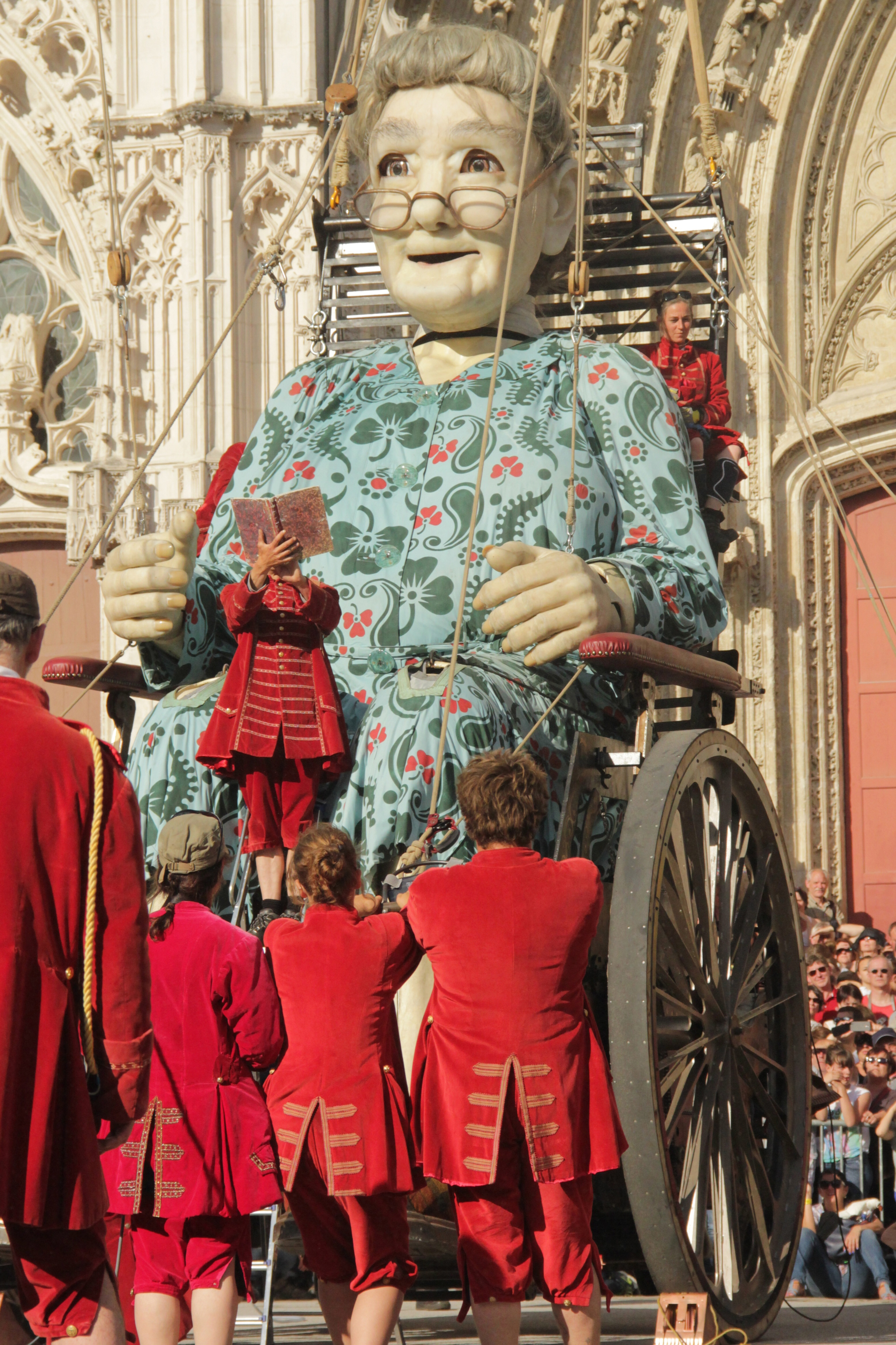 What to expect when the Grandmother Giant comes to Limerick...